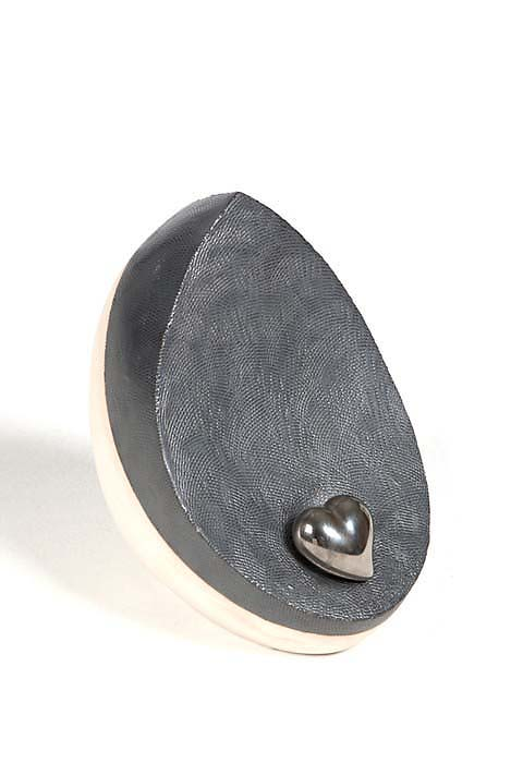 Kleine Keramische Urn Wit-Zwart, Zilver Hart (1.8 liter)