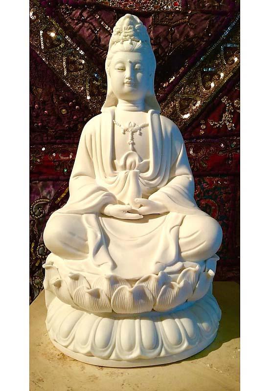 https://grafdecoratie.nl/photos/kleine-boeddha-urn-kwan-yin-porselein-vrouwelijke-buddha-urnen.JPG