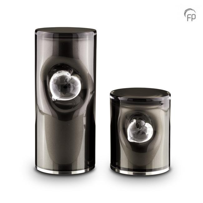 https://grafdecoratie.nl/photos/kleine-glazen-crematie-as-cilinder-urn-zwart-hart-urnwebshop-GUP052S.jpg