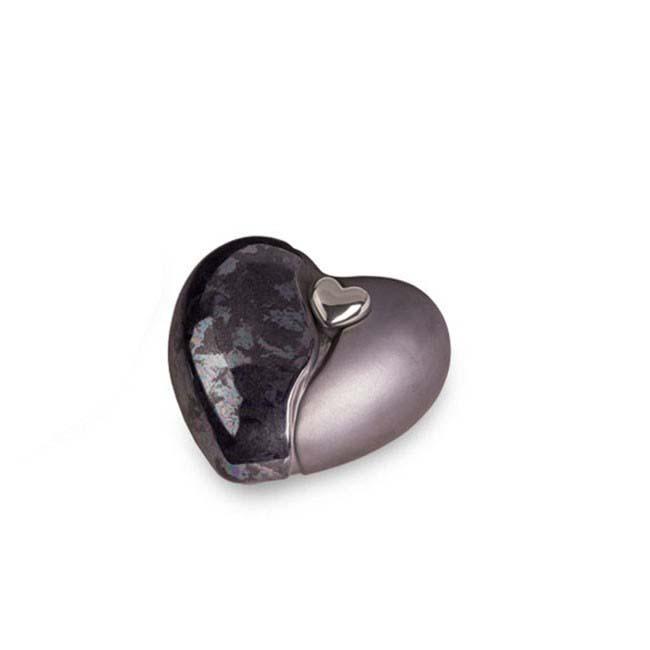 https://grafdecoratie.nl/photos/kleine-keramische-hart-urn-urnen-keramiek-urnwebshop-KU037S.jpg