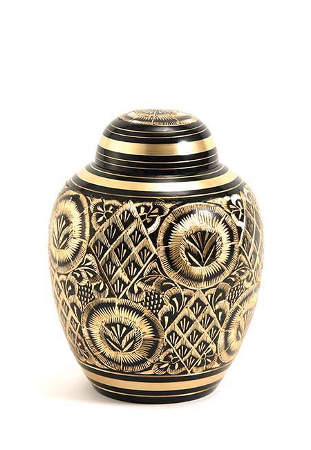 https://grafdecoratie.nl/photos/kleine-messing-urn-urnen-metaal-TB2502XS.JPG