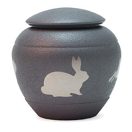 https://grafdecoratie.nl/photos/konijnen-urn-TB2894P.JPG