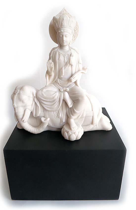 Vrouwelijke Boeddha Urn Kwan Yin op Olifant (Hardhouten Asbox van 2.4 of 3 liter)