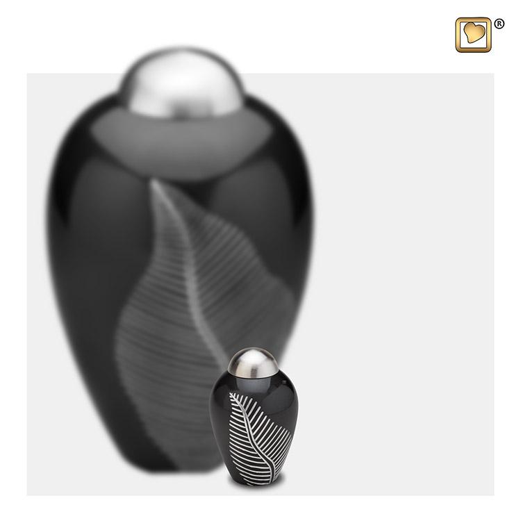 Mini Dierenurn Midnight Black Feather (0.05 liter)