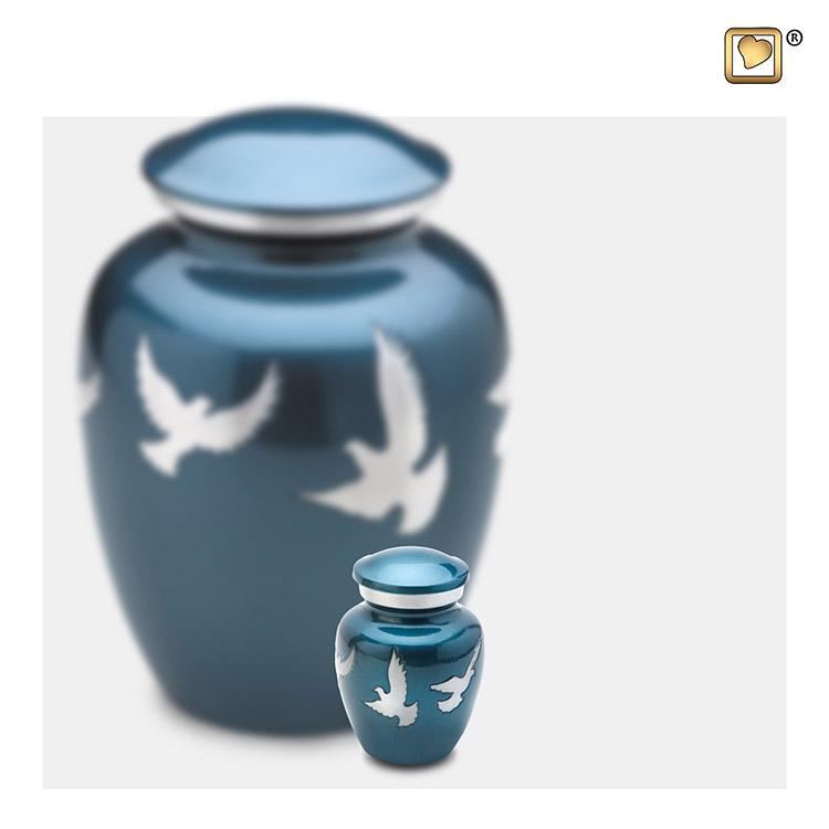 LoveUrns Miniurn Devine Flying Doves (0.07 liter)