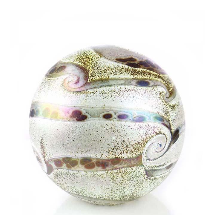 https://grafdecoratie.nl/photos/medium-glazen-bolurn-kristal-urnen-Ivoor-aardetinten-ERU-E014LIM-1.5-liter.JPG
