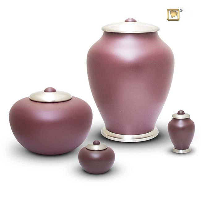 https://grafdecoratie.nl/photos/messing-urnen-simplicity-urn-HU402-502-set.JPG