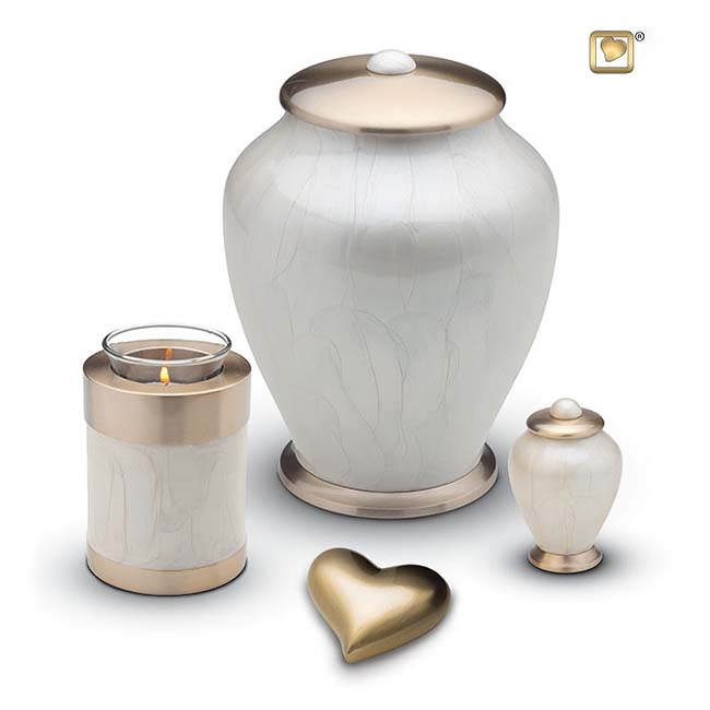 https://grafdecoratie.nl/photos/messing-urnen-simplicity-urn-HU405-HUH021-set.JPG
