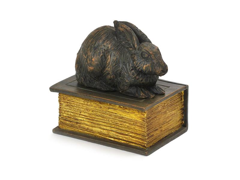 Mini Urn of Asbeeld Slapend Konijn op Boek (0.37 liter)