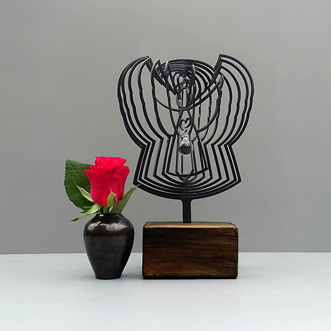 https://grafdecoratie.nl/photos/mini-urn-3D-Engel-zwart-glazen-asbol-urnwebshop.jpg