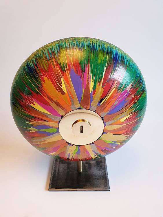 Kleine Rainbow Design Urn op Sokkel (ca. 1.5 liter)