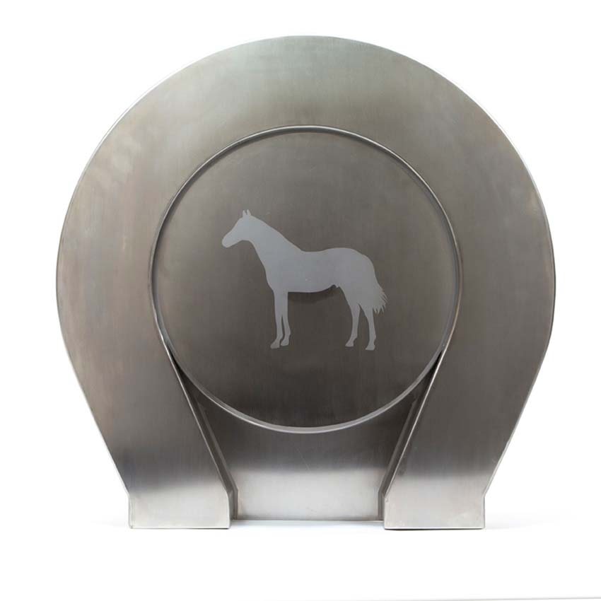 https://grafdecoratie.nl/photos/rvs-paarden-urn-XL-groot.JPG