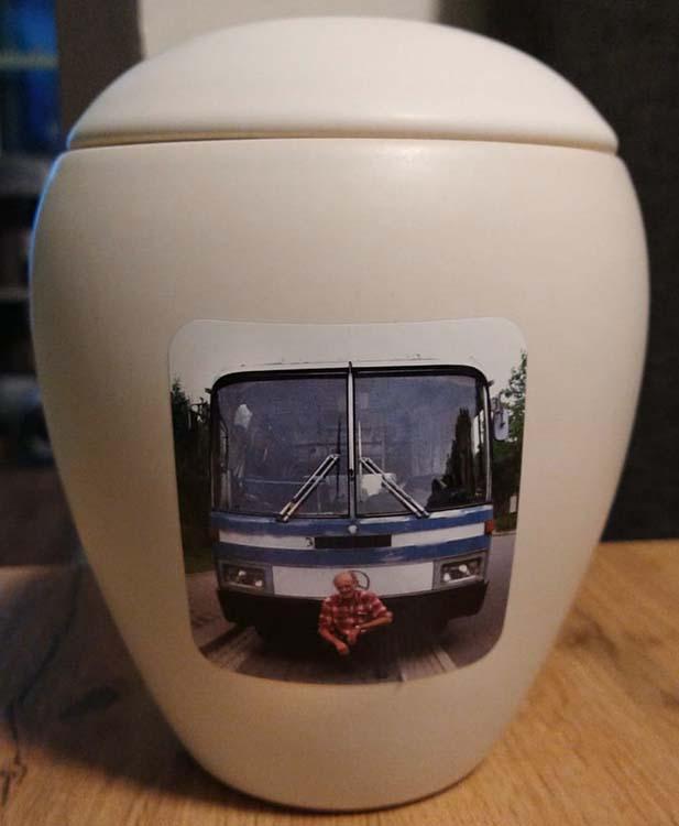 Middelgrote Keramische Urn met Eigen Foto (1.5 liter)