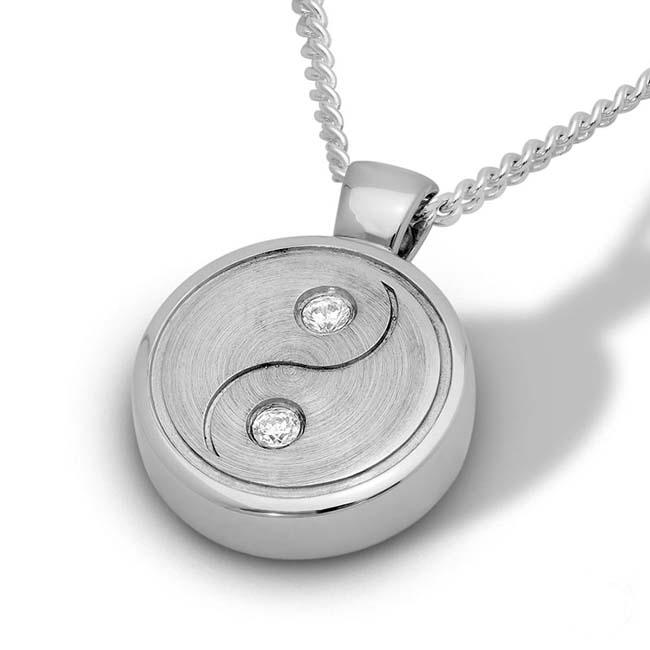 Zilveren Ashanger Yin Yang met 2 Zirkonia\'s